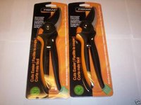 2 FISKARS GEAR-ASSIST BYPASS PRUNERS 3/4 CAPACITY 9642